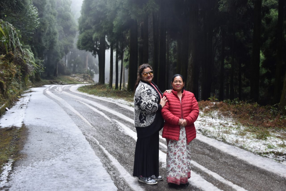 Snowfall at Bagora, Kurseong