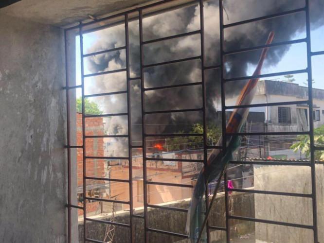 Fire Broke out in Burdwan Road, Siliguri, behind Vishal Mega Mart